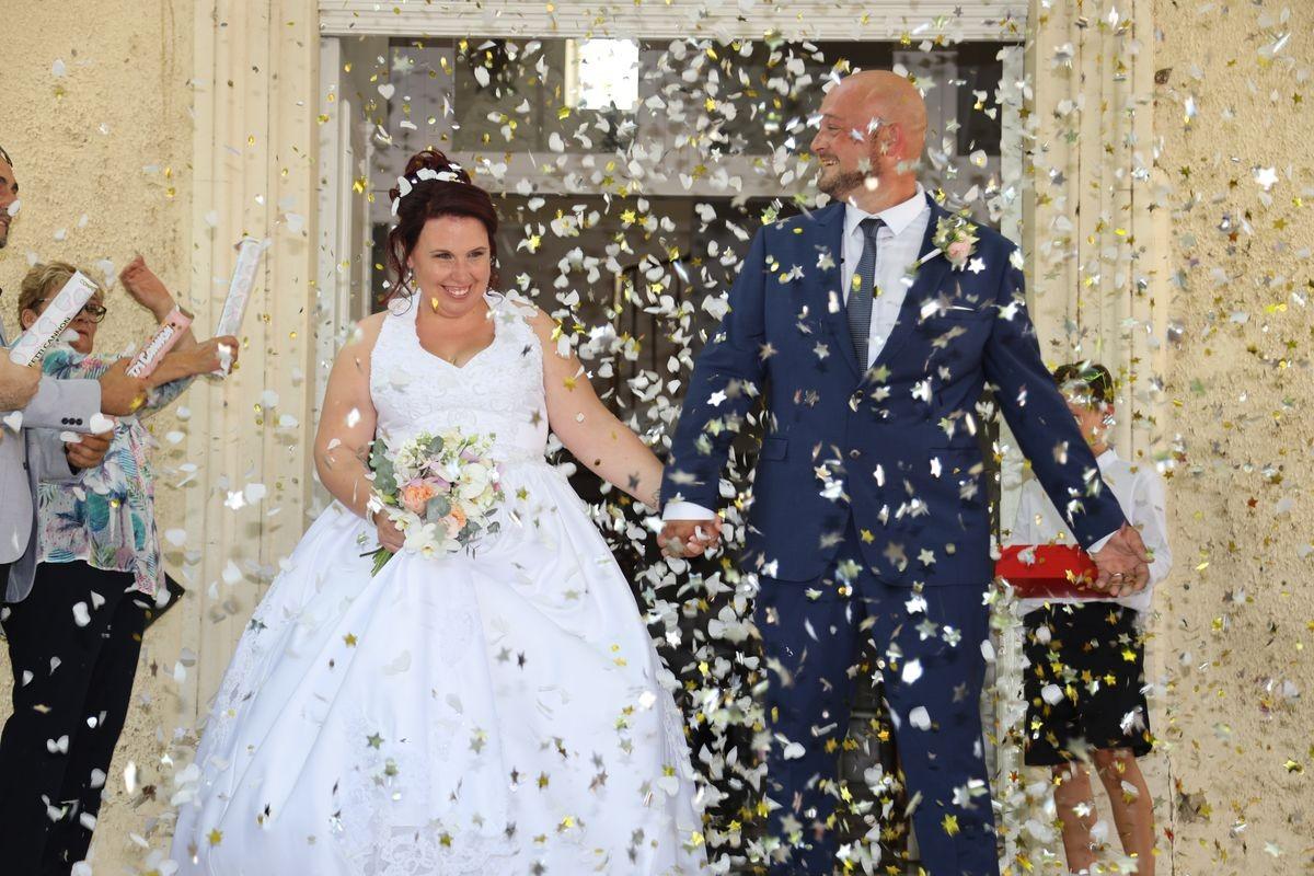 mairie_4_photographe-mariage-sortie-des-maries-de-la-mairie